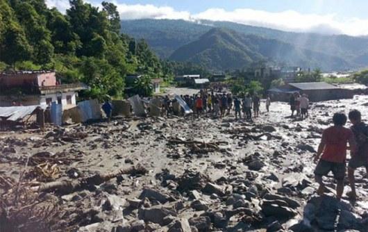 ВНепале около 600 туристов заблокированы из-за наводнений